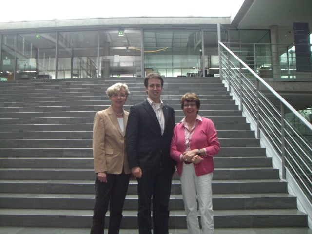 v.l.: Stephanie Wellens, Andreas Hamacher, Anne Holt