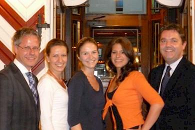 v.l.n.r.: Jürgen Steinmetz (Allg. Vertreter des Landrates), Ann-Kathrin Küsters (JU Korschenbroich), Karolina Buckner (JU Neuss), Alana Schiffer (JU Dormagen), Ansgar Heveling MdB