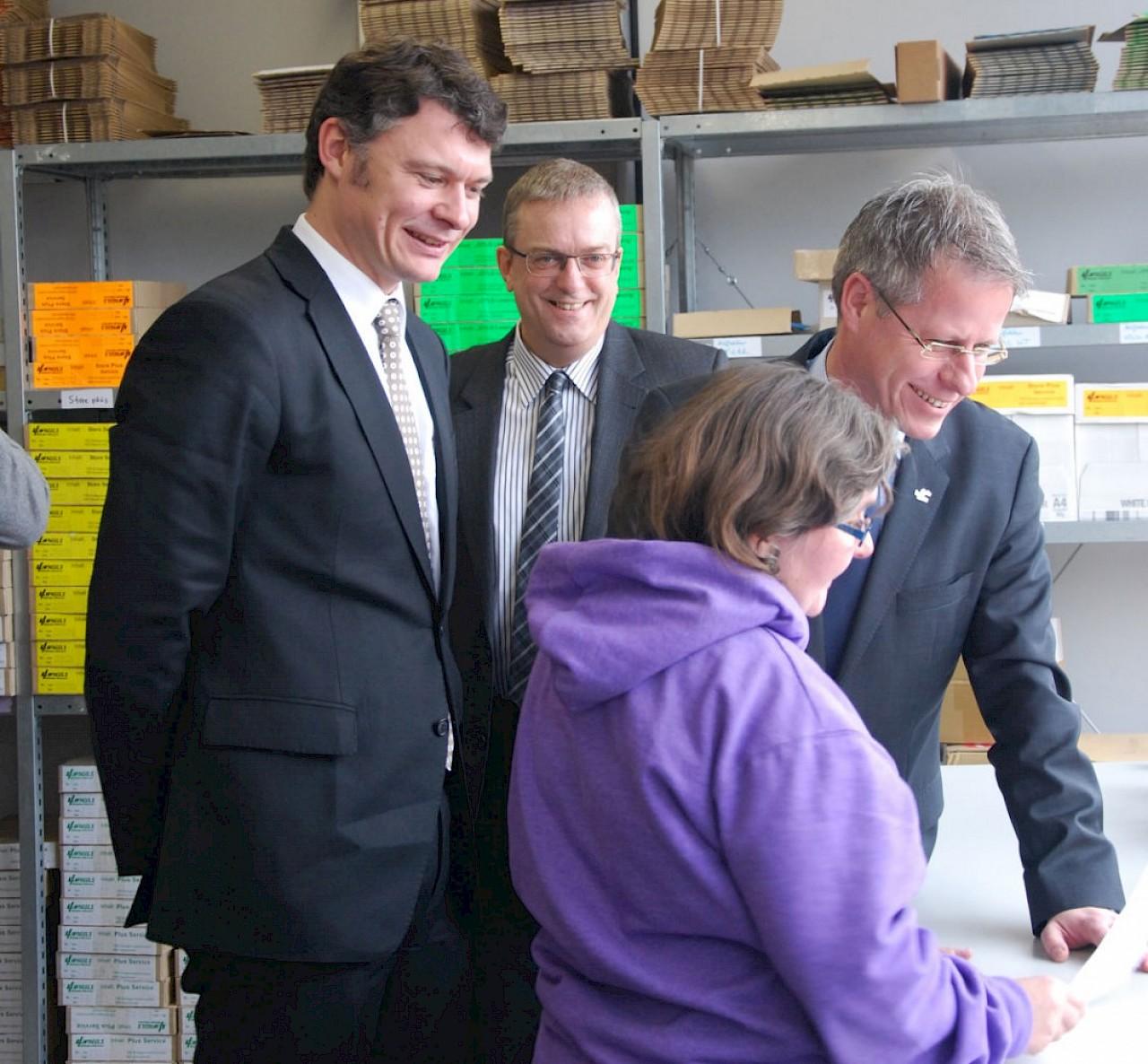 Dr. Jörg Geerlings und Jürgen Steinmetz zu Besuch in der GWN Betriebsstätte Am Henselsgraben