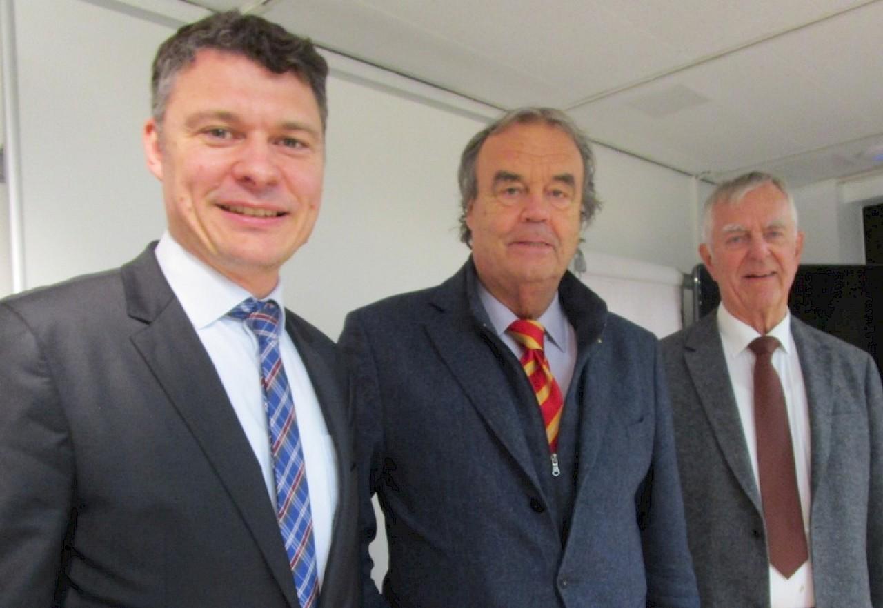 Von links: CDU-Parteichef Dr. Jörg Geerlings, Europaabgeordneter Karl-Heinz Florenz, Leiter des AK Europa Rotger Kindermann