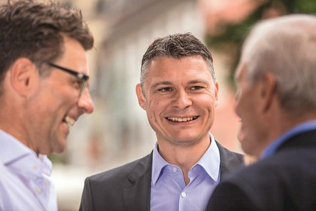 Geerlings und CDU auf Zuhörtour in Norf - CDU-Bürgermeisterkandidat Jan-Philipp Büchler zu Gast
