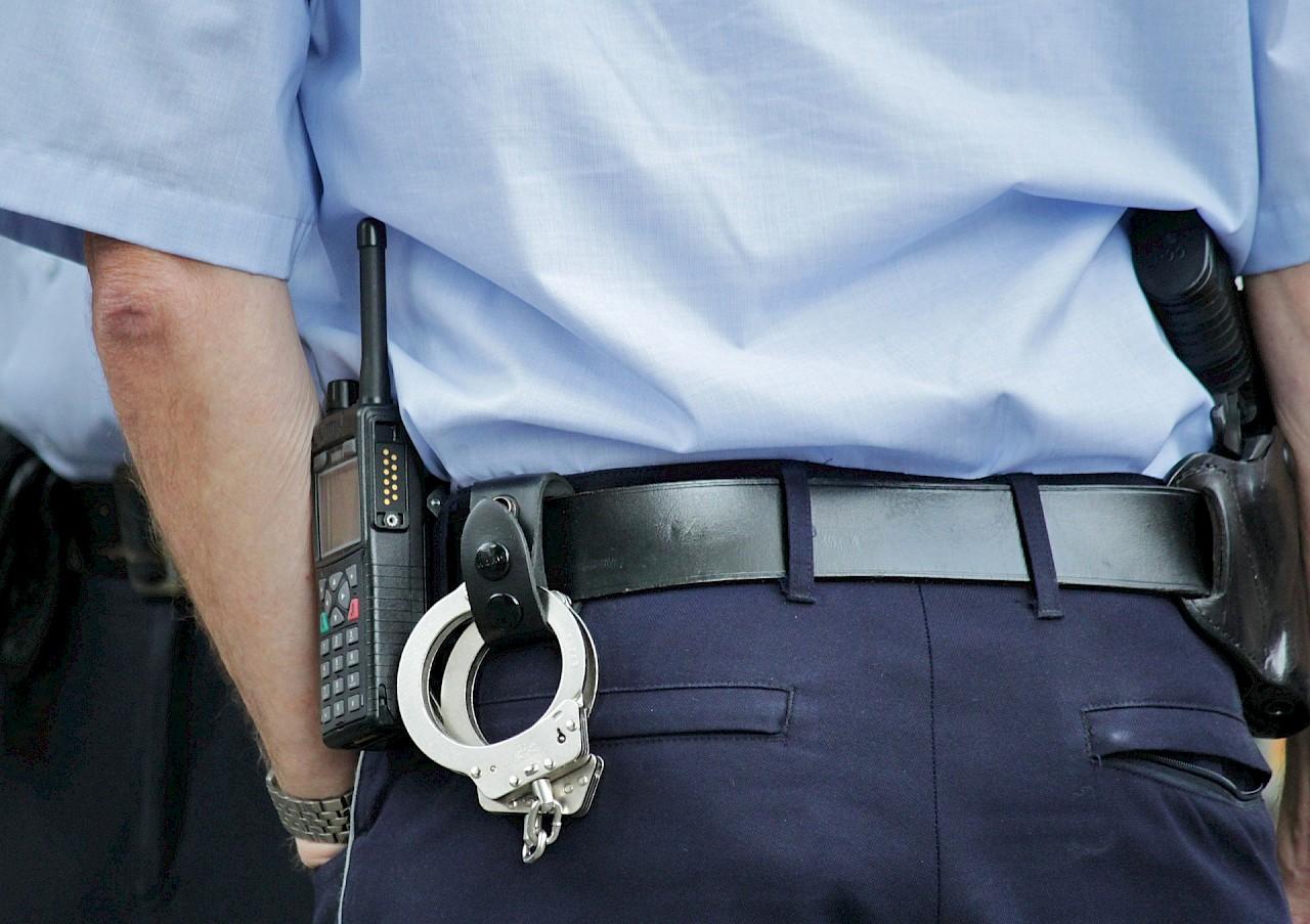 Mehr Polizisten auf der Straße: Rhein-Kreis Neuss sicherer machen (Foto: Pixabay)