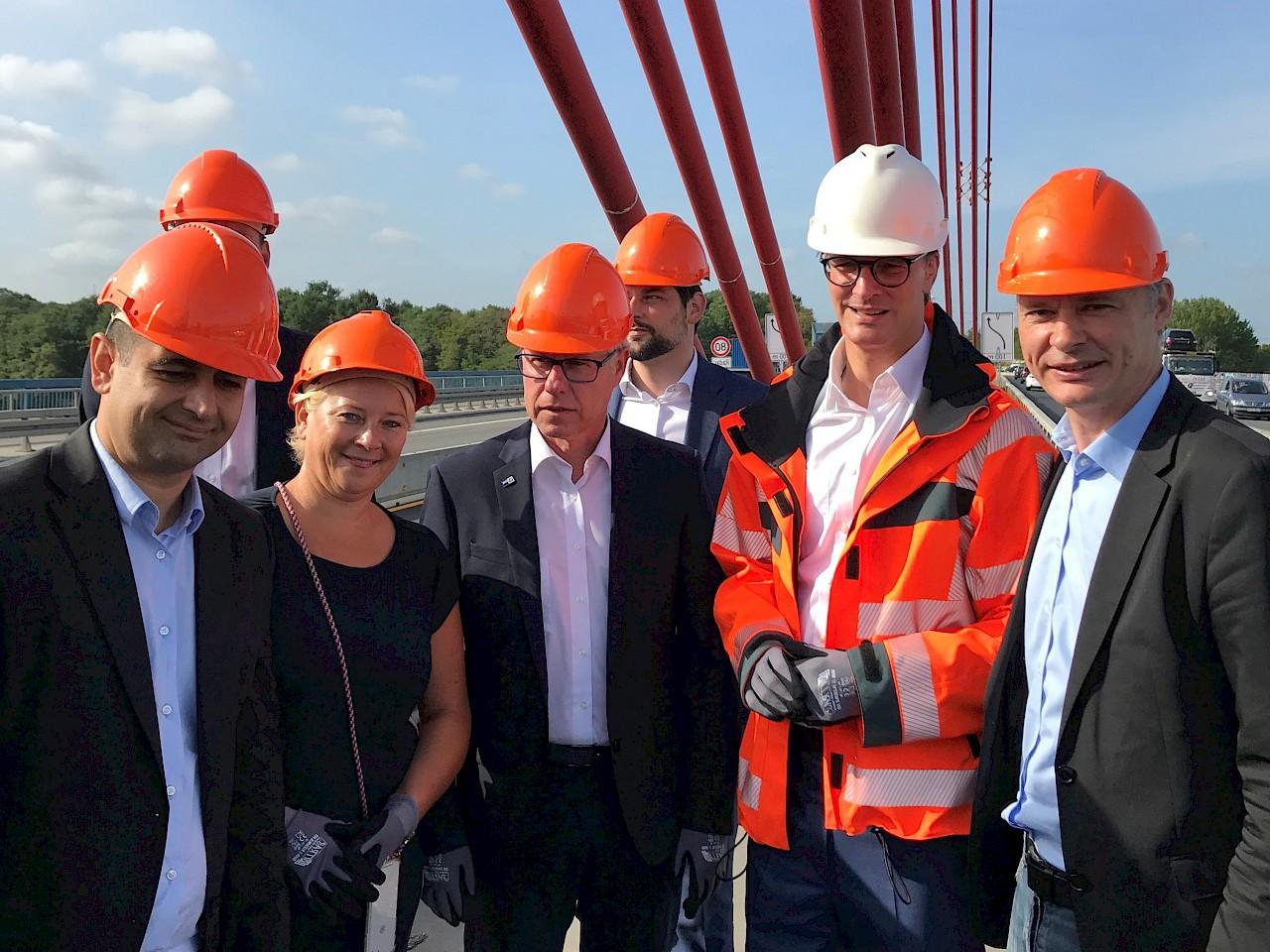 Foto: Dr. Jörg Geerlings, Hendrik Wüst, Jürgen Steinmetz, Heike Troles, Bijan Djir-Sarai (von links nach rechts)