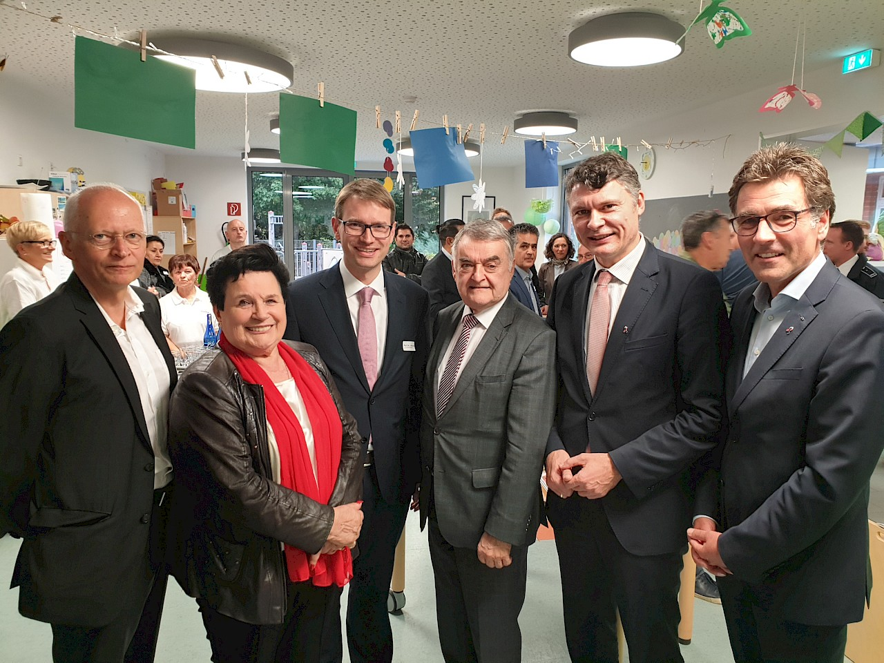Klarer Kompass für mehr Sicherheit: NRW-Innenminister Reul besucht Neuss